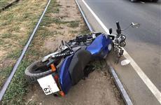 В Кировском районе Самары таксист врезался в мотоцикл, есть пострадавшие