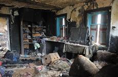 Больше года многодетная семья, чей дом сгорел дотла, не может получить новое жилье