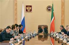 Рустам Минниханов провел совещание по вопросу обеспечения бесплатным горячим питанием школьников начальных классов