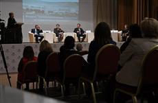 Дмитрий Азаров принял участие в форуме активистов общественного самоуправления