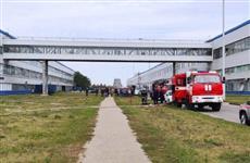 На АВТОВАЗе 96 человек тушат пожар, эвакуировали 50 человек