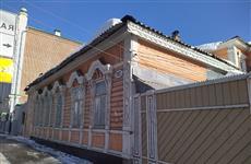 Печи в городе: жительница центра Самары вынуждена отапливать дом дровами