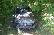 Под Сызранью пострадали водитель и две пассажирки врезавшейся в дерево легковушки