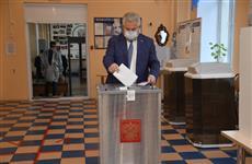 Спикер губдумы Геннадий Котельников проголосовал по поправкам в Конституцию