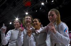 Рапиристка Аделина Загидуллина в составе российской сборной победила на Олимпиаде в Токио