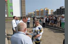 """Дольщики жилого комплекса """"Новобулгаково"""" получили ключи от своих квартир"""