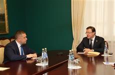 Дмитрию Азарову представили нового главу областных пограничников