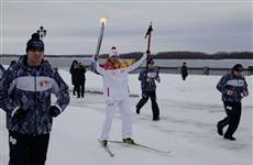 В Самаре факел Олимпиады пронесли на коньках и на лыжах