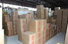 На границе с Казахстаном задержали грузовик с поддельной обувью, парфюмерией и табаком для кальяна
