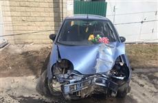 В Волжском районе пенсионерка пострадала, врезавшись на авто в световую опору