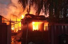 Ночью в Самаре загорелись два частных дома