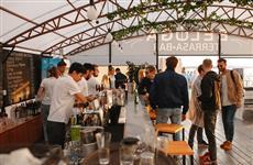Под Ульяновским спуском заработал дэнс-бар на Волге под открытым небом