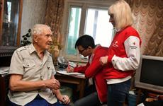 Волонтеры-медики помогают ветеранам войны