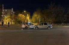Девушка-пассажир автомобиля Renault пострадала при ДТП на ул. Анотонова-Овсеенко