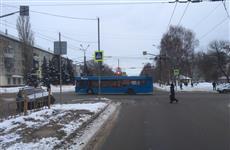 В Тольятти при столкновении с пассажирским автобусом пострадал водитель легковушки
