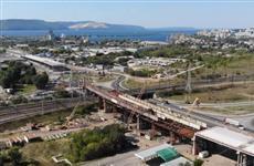 На трассе М-5 в Тольятти автомобили пускают в объезд из-за строительства развязки