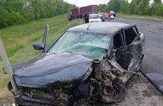 На трассе М-5 водитель Lada Priora врезался в КамАЗ