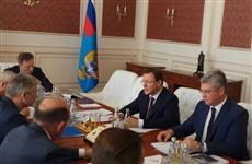 Дмитрий Азаров проводит рабочие встречи в Москве