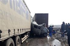 Скончался один пострадавший в аварии с шестью машинами в Кинельском районе