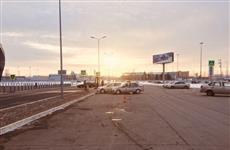 """На парковке у """"Курумоча"""" водитель иномарки сбил мужчину, грузившего багаж"""