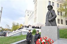 В Самаре появился памятник известному речнику Владимиру Пермякову