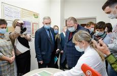 Олег Мельниченко передал больницам Пензенской области 26 новых спецмашин