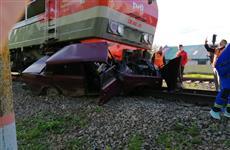 На ж/д переезде у с. Шентала водитель легковушки погиб под поездом