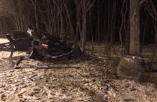 На Волжском шоссе в вылетевшей в кювет иномарке погибла девушка