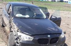 В Кинельском районе BMW врезалась в самосвал, есть пострадавшие