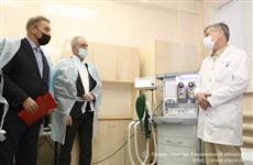Владислав Третьяк подарил медицинское оборудование Ульяновской областной детской клинической больнице