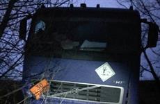 В Волжском районе погиб пассажир Skoda, врезавшейся в грузовик