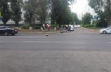 В Тольятти на ул. Дзержинского Ford не пропустил мотоцикл, байкер пострадал