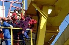 В Кинеле спасатели снимали с крана машиниста, которой стало плохо