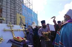 В Москве Митрополит Зиновий провел чин освящения крестов строящегося храма