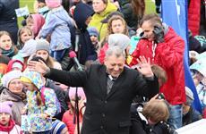 """Ведущий Киножурнала """"Ералаш"""" Борис Грачевский угощал детей мороженым на благотворительной акции в Ижевске"""