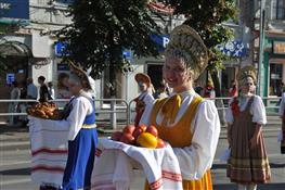 В Сызрани вновь устроили помидорный флешмоб