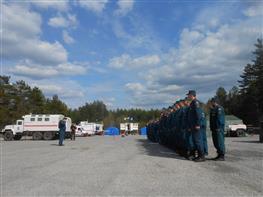 Сотрудники МЧС провели учения по тушению лесных пожаров с использованием беспилотников