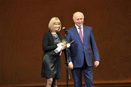 Губернатор поздравил мастеров искусств с профессиональным праздником