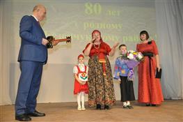Глава региона открыл новый киноконцертный комплекс в Безенчуке