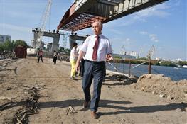 Николай Меркушкин ознакомился с ходом строительства Фрунзенского моста