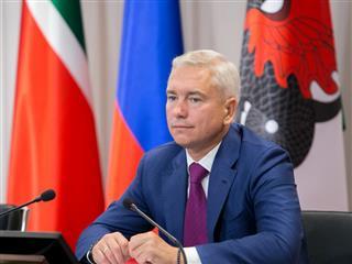 """Денис Калинкин: """"Мы уже не латаем дыры, размазывая рубль на километры, а полноценно обновляем дорожное полотно"""""""