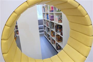 Губернатор Кировской области Игорь Васильев оценил преобразования Нагорской библиотеки