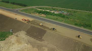В Татарстане на участке реконструкции трассы М-7 приступили к укладке асфальтобетона