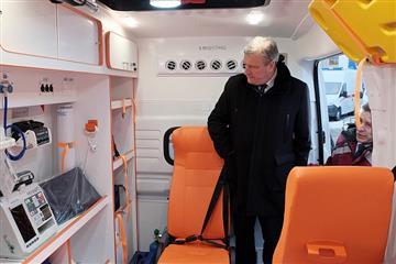 Автопарк Единой службы скорой медицинской помощи Кировского региона пополнился 26 новыми автомобилями