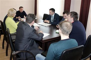 """Пензенский минстройдор провел заседание проектного комитета """"Безопасные и качественные автомобильные дороги"""""""