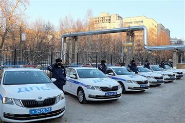 В Кировской области в рамках дорожного нацпроекта Госавтоинспекция получила 13 новых служебных автомобилей