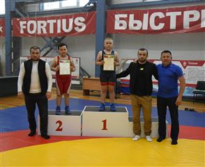 Состоялись отборочные соревнования по вольной борьбе в селе Бураево