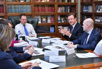 Губернатор Дмитрий Азаров встретился с министром культуры РФ Владимиром Мединским