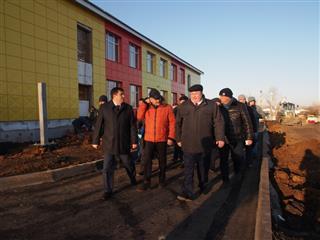 Глава Мордовии Владимир Волков проинспектировал строительство детского сада в поселке Ромоданово