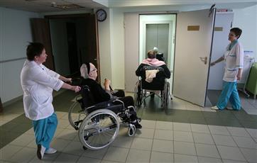 Кировская область направит на уход за пожилыми людьми по нацпроекту 225 млн руб. до 2021 года
